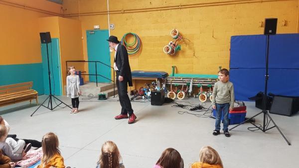 Spectacle joué à l'école maternelle et primaire, Saint Amand, à Bailleul - Nord